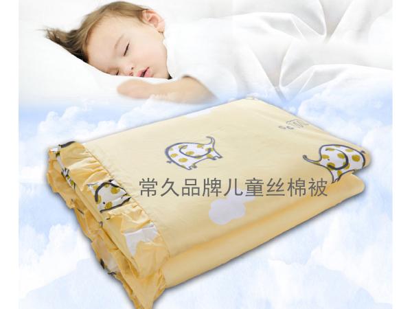 新生儿能盖丝棉被吗-好被子助力宝宝健康睡眠