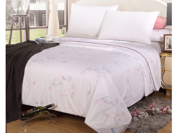 床上用品丝绵被-这个品牌你就放心买[常久]